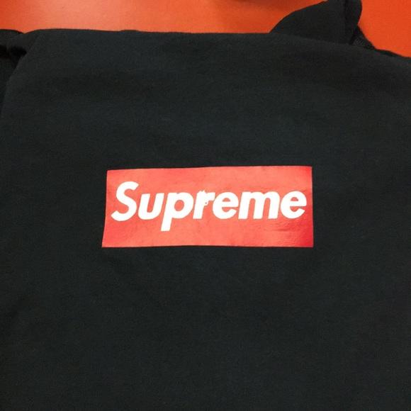 70bdb63bb1a1 Rare box logo Supreme 'Sopranos' Collab. M_5a8856e150687c181ecf0563